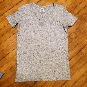 2/$20 🤑 PINK Victoria Secret T-shirt